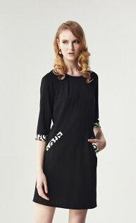 林廷芬服裝設計-Hailey-七分袖胸前打摺洋裝