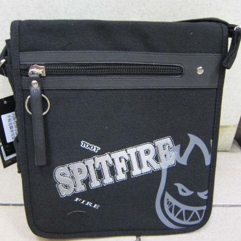 ^~雪黛屋^~SPITFIRE鬼火肩側書包 可放10吋 平板電腦保護套 可放A4 可肩背可