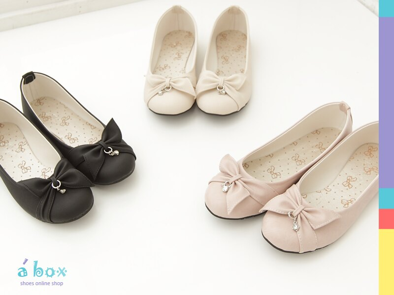格子舖*【ANW421】甜美吊飾 舒適鞋底蝴蝶結布面平底包鞋 台灣製造 3色現貨 - 限時優惠好康折扣