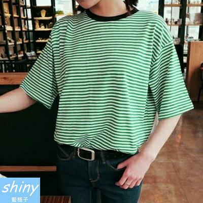 【V226】shiny藍格子-休閒時光.百搭條紋圓領寬鬆短袖上衣