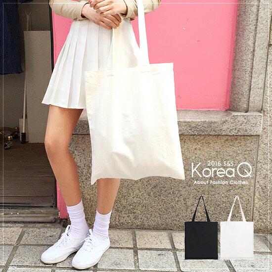 帆布包 趣味塗鴉側背帆布包-黑白(預+現) Korea Q【16050317】