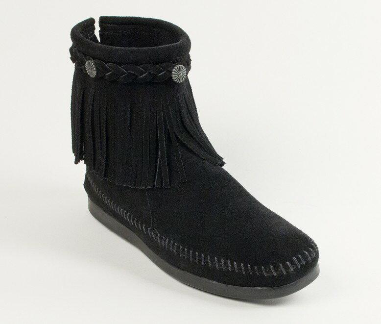 【Minnetonka 莫卡辛】黑色 - 麂皮後拉鍊流蘇莫卡辛短靴 0