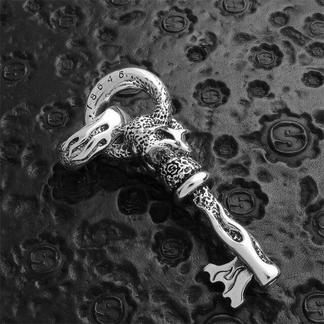 【現貨商品】【STARLINGEAR】地獄烈火骷髏萬能鑰匙純銀墜飾(STP007  0120010000) 5