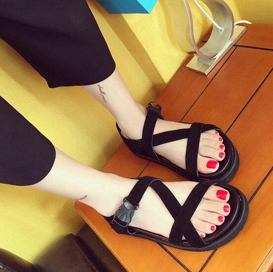 圓頭涼鞋 羅馬假期休閒魚嘴交叉平底涼鞋 艾爾莎【TSB8624】 1