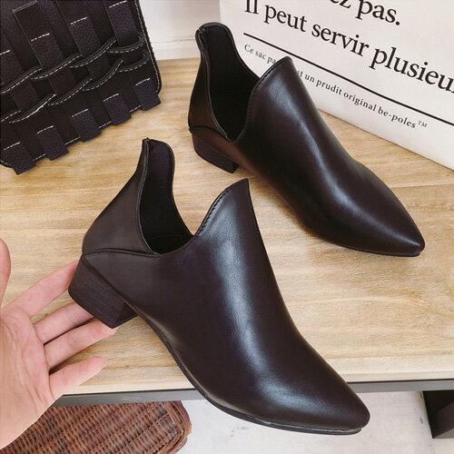 靴子 歐美風格時尚潮流鏤空尖頭美靴 艾爾莎【TSB8673】 1