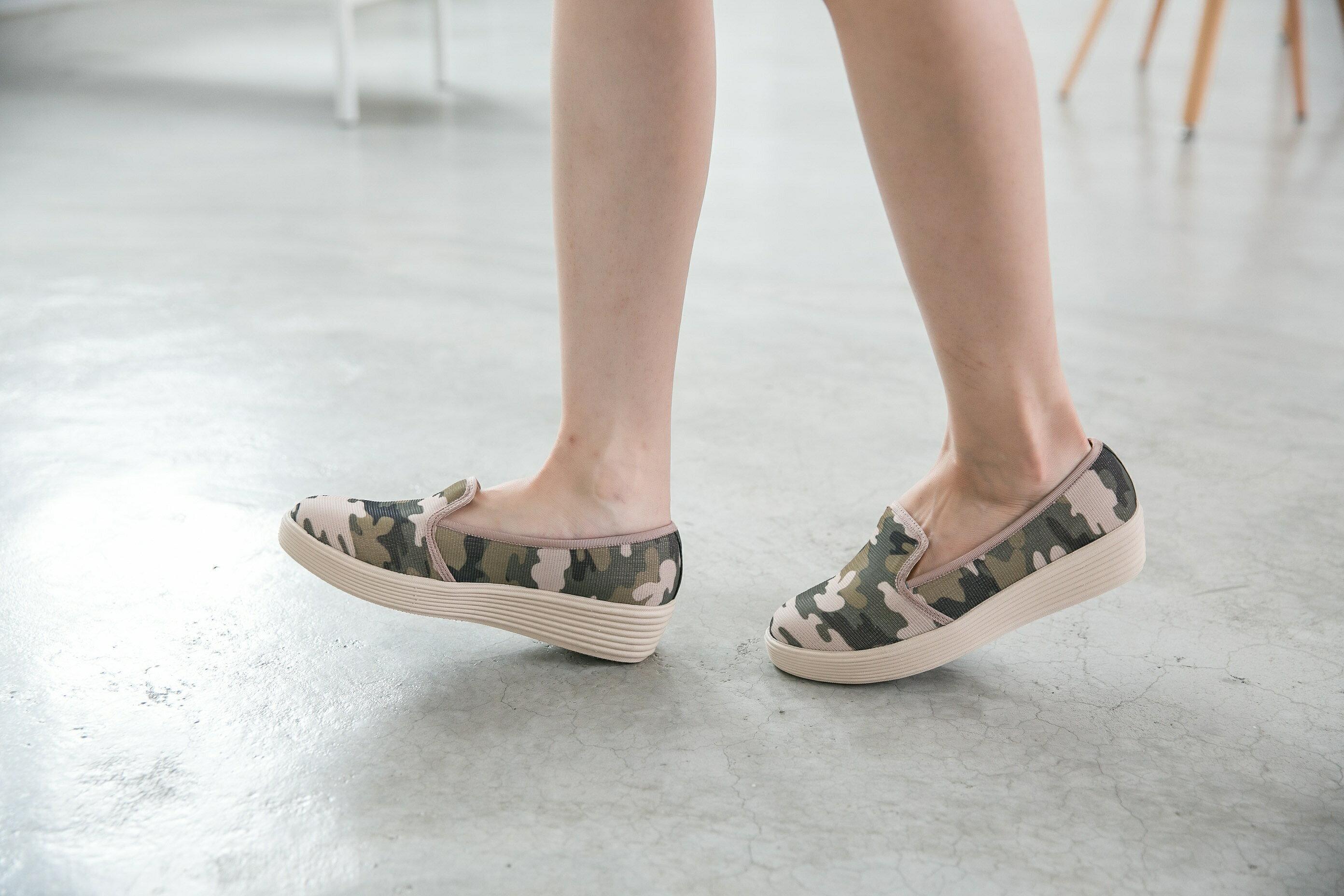 Aimez La Vie 超輕氣墊鞋|韓系迷彩真皮內裡樂福休閒鞋 2