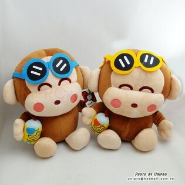 【UNIPRO】三麗鷗正版 墨鏡 時尚淘氣猴 汽水 小猴子 monkichi 31公分 絨毛娃娃 玩偶