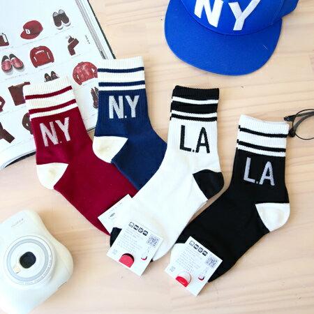 韓國 N.Y L.A 英文棉質足球短襪 NEW YORK 襪子 百搭 足球襪 造型襪 流行襪【N201124】