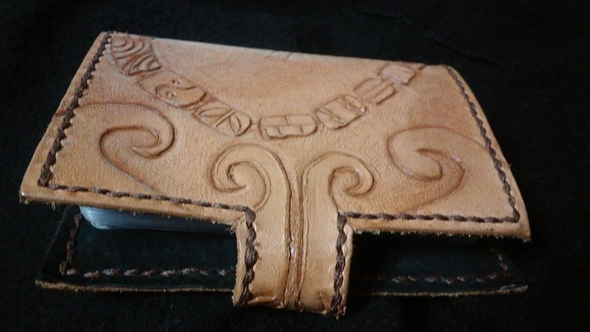 手工皮雕 原民風飾品圖騰  信用卡(名片、證件)夾 1