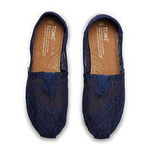【TOMS】深藍色新款蕾絲平底休閒鞋  Navy Lace Women's Classics 6