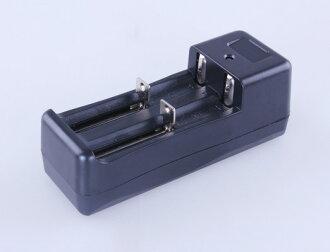 【露營趣】中和 TNR-196 18650鋰電池充電器 CR123A 14500 3號 4號 16340 智能萬用充電器