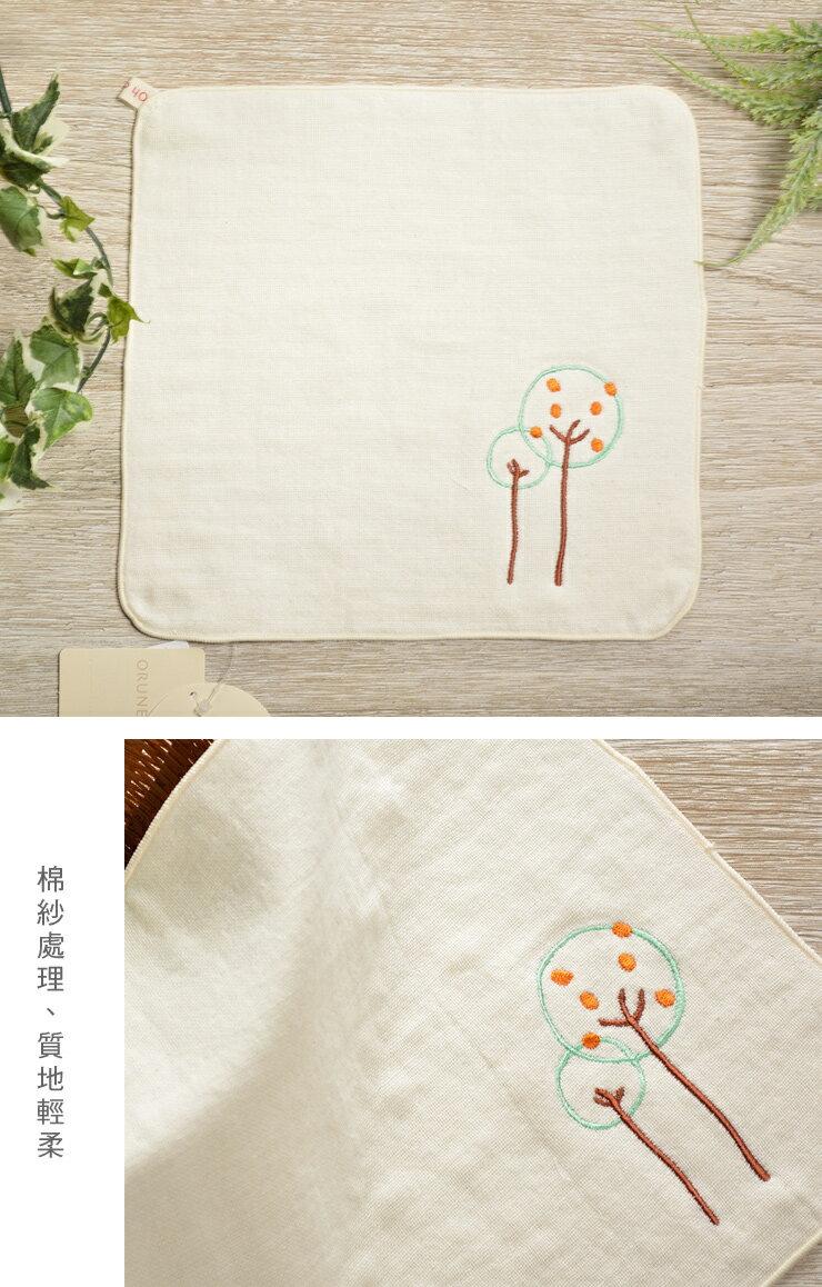 日本今治 - ORUNET - 刺繡手帕(樹)《日本設計製造》《全館免運費》,有機棉,有機棉來自3年以上無化學肥料&無農藥之土地,生產階段亦無使用任何藥劑、無漂白、無染色,採用最純淨的有機棉製作最天然安心的產品。
