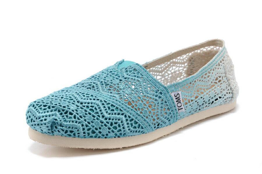 【TOMS】藍色漸層蕾絲平底休閒鞋  Zig Zag Crochet Baltic Dip-Dyed Women's Classics 2