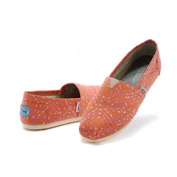 【TOMS】橘紅色幾何條紋平底休閒鞋  Coral Geometric Tie-Dyed Vegan Women's Classics 7