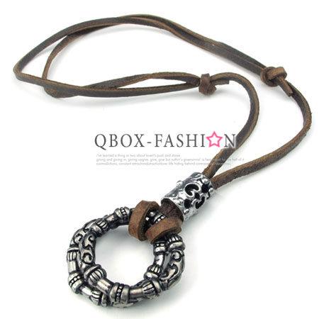 《 QBOX 》FASHION 飾品【 W10024236】精緻個性復古圖騰雙環扣合金皮革墬子項鍊