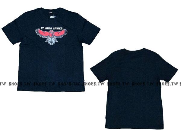 《換季折扣》Shoestw【8330216580】NBA 短袖 T恤 基本款 隊徽LOGO 100%純棉 亞特蘭大 老鷹隊 深藍