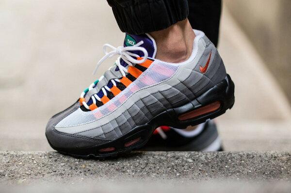 "Nike Air Max 95 OG QS ""BLACKSAFETY ORANGEVOLT""慢跑鞋 氣墊跑步鞋 運動鞋 彩虹帶 男女鞋"