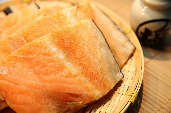 大西洋頂級鮭魚骨 500g