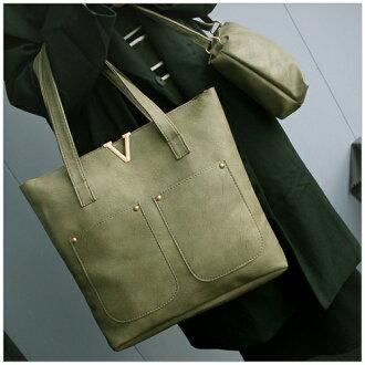 美麗新晴【SK2546】金屬V鉚釘雙口袋側背包/子母包