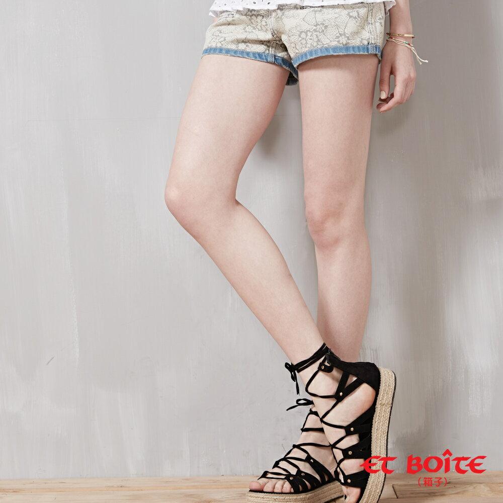 【ET BOîTE 箱子】雙面穿蕾絲風格牛仔短褲 0