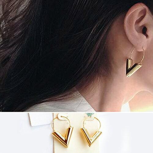 耳環 金屬V型拼接圓弧耳環【TSER621】 BOBI  05/19