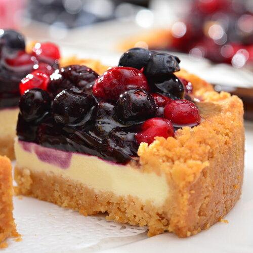 【艾波索.莓果樂園乳酪6吋】台灣1001個故事絕讚推薦!使用日本北海道乳酪×紐西蘭頂級乳酪完美比例融合的無限乳酪為基底,中間鋪上主廚嚴選比利時藍莓醬,上層再灑上滿滿的綜合莓果 2