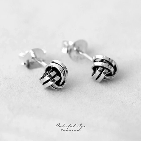 925純銀貼耳式耳針耳環 立體三環相扣毛線球造型染黑鏤空感 抗過敏 柒彩年代【NPD29】一對價格 0