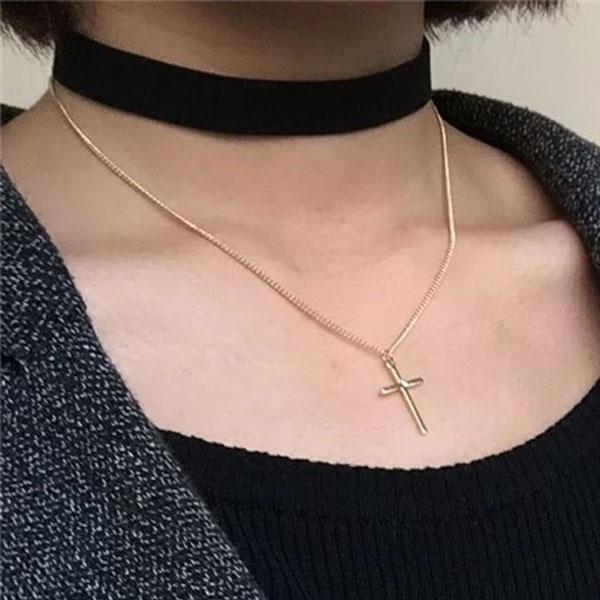 頸鏈 頸鍊 項鍊 項圈 十字架 雙層 垂墜 龐克復古 鎖骨 黑 韓 Anna S.