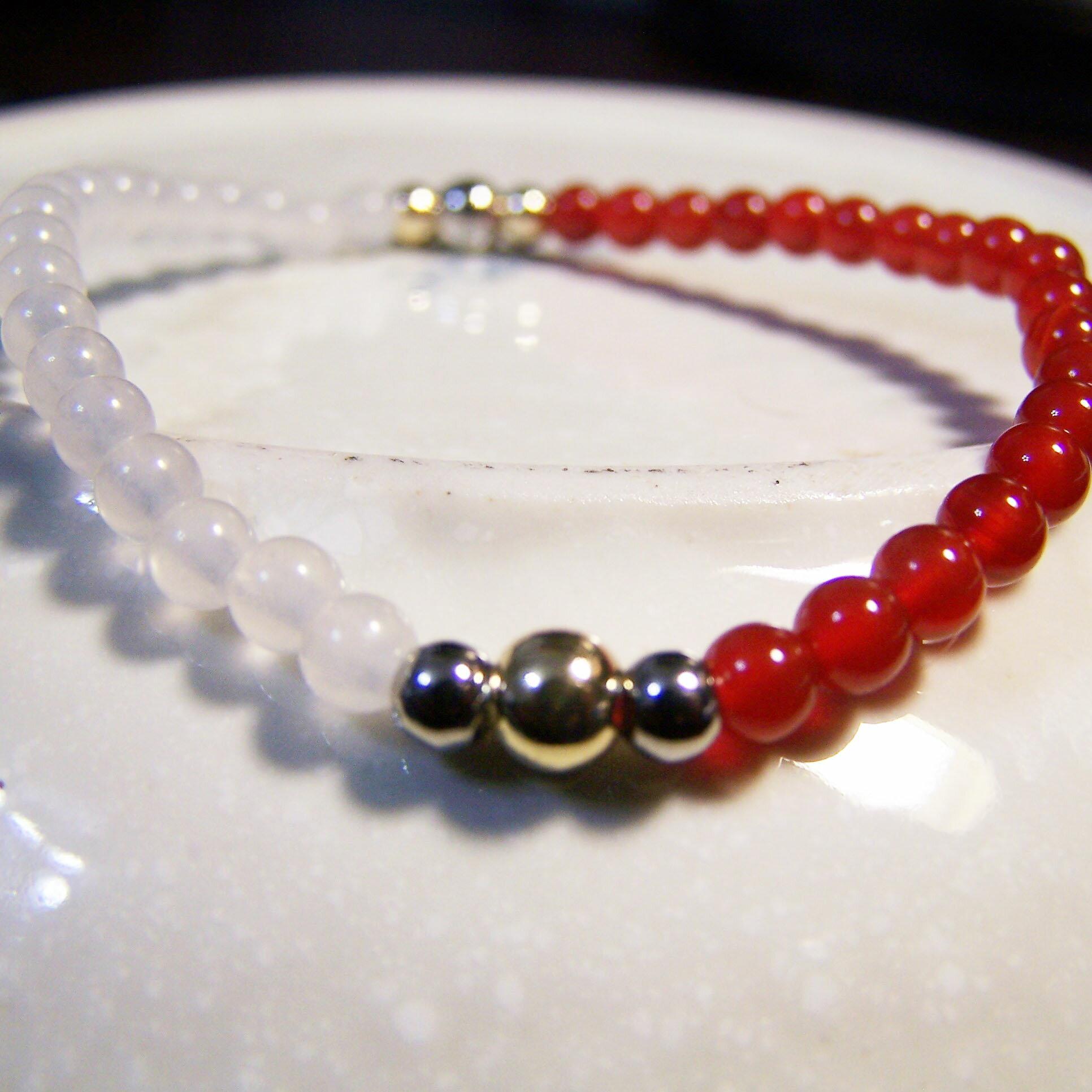 be young【比漾】Mini 秀麗手環 (紅瑪瑙+晶白玉) 單圈手鏈 0