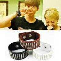   Star World。Bracelets   Super Junior 銀赫 同款多排細鉚釘皮革手環