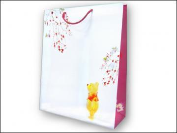 《清倉鋪》 NG商品 維尼水墨直式紙袋 紙袋內部有黃斑 但不影響外觀 介意者請勿購買 20個一組 買四組最便宜平均一個只要20元