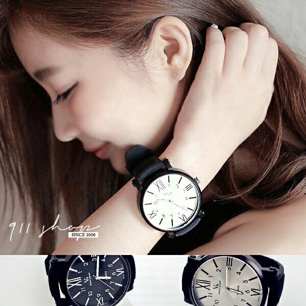 Circle.V6品牌~厚框超大錶面羅馬x數字刻度金屬光澤矽膠錶帶中性手錶~ta363~~