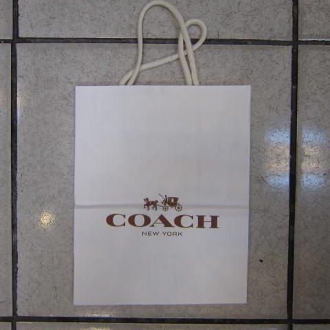~雪黛屋~COACH 提袋國際正版長型皮夾小型包小手拿包紙提袋進口紙材質可摺疊收納展開為提袋-紙提袋
