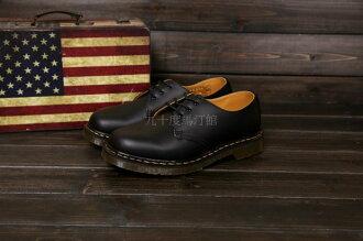 【九十度馬丁管】【兩日到貨】【免運】【3孔黑色】Dr. Martens馬丁馬汀靴子