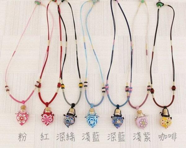【造型軟陶短鏈-159】中國繩造型瓶精油瓶項鍊 .軟陶精油瓶項鍊. 小玻璃瓶項鍊