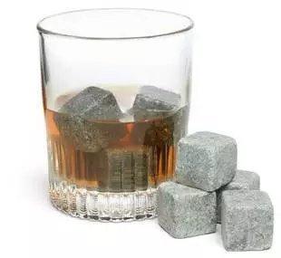 【瞎買天堂x冰鎮酒石】威士忌冰鎮石頭 冰塊 不會溶化 保持原有風味 各種飲料都適用【HLCVAA04】