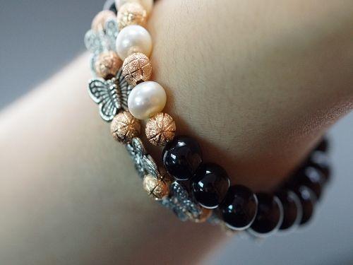 玉髓是人們熟悉的首批寶石材料之一。據傳說,它能給佩帶者帶來愉快和信心,並被賦予上帝的仁慈;還確保他們勝利和力量。A208