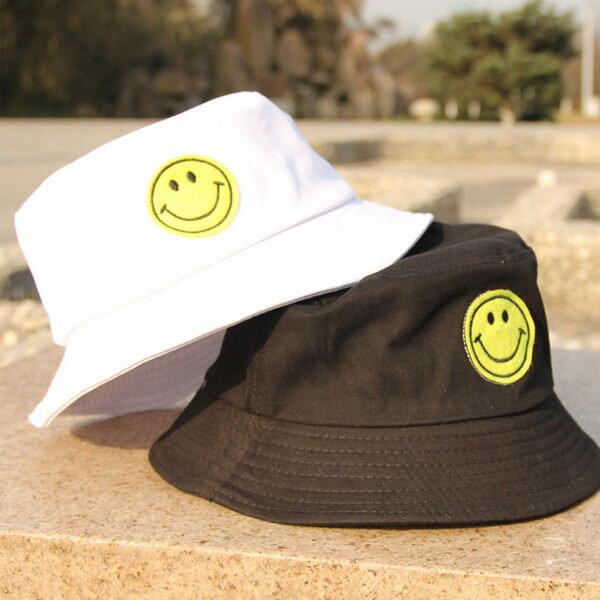 百搭款 遮陽帽 草帽 情侶帽【C1084】漁夫帽-黃色笑臉貼標繡 艾咪E舖 休閒帽 男女皆可 2