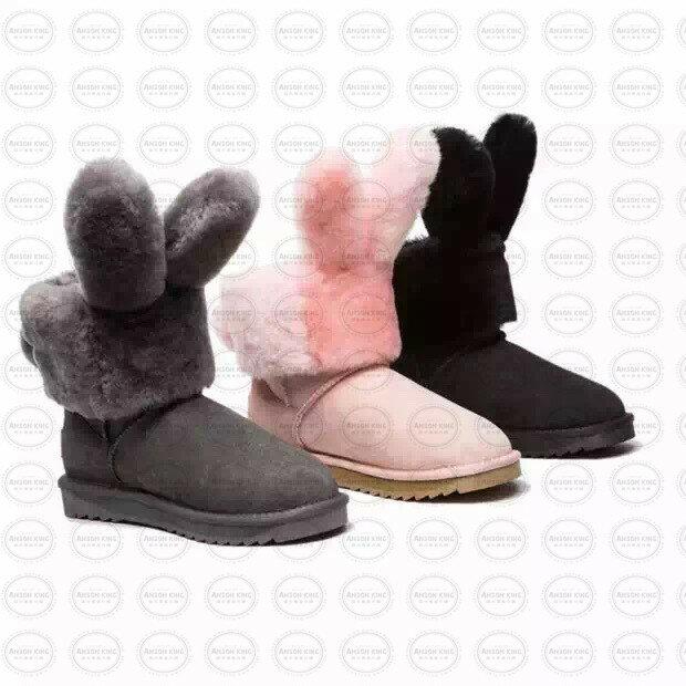 OUTLET正品代購 澳洲 UGG x DUEPLAY 聯名兔耳朵 雪靴 保暖 真皮羊皮毛 雪靴 短靴 黑色 2