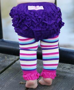 ★啦啦看世界★ Rufflebutts/ 葡萄紫屁屁褲 尿布褲 小短褲 嬰兒彌月禮 出生