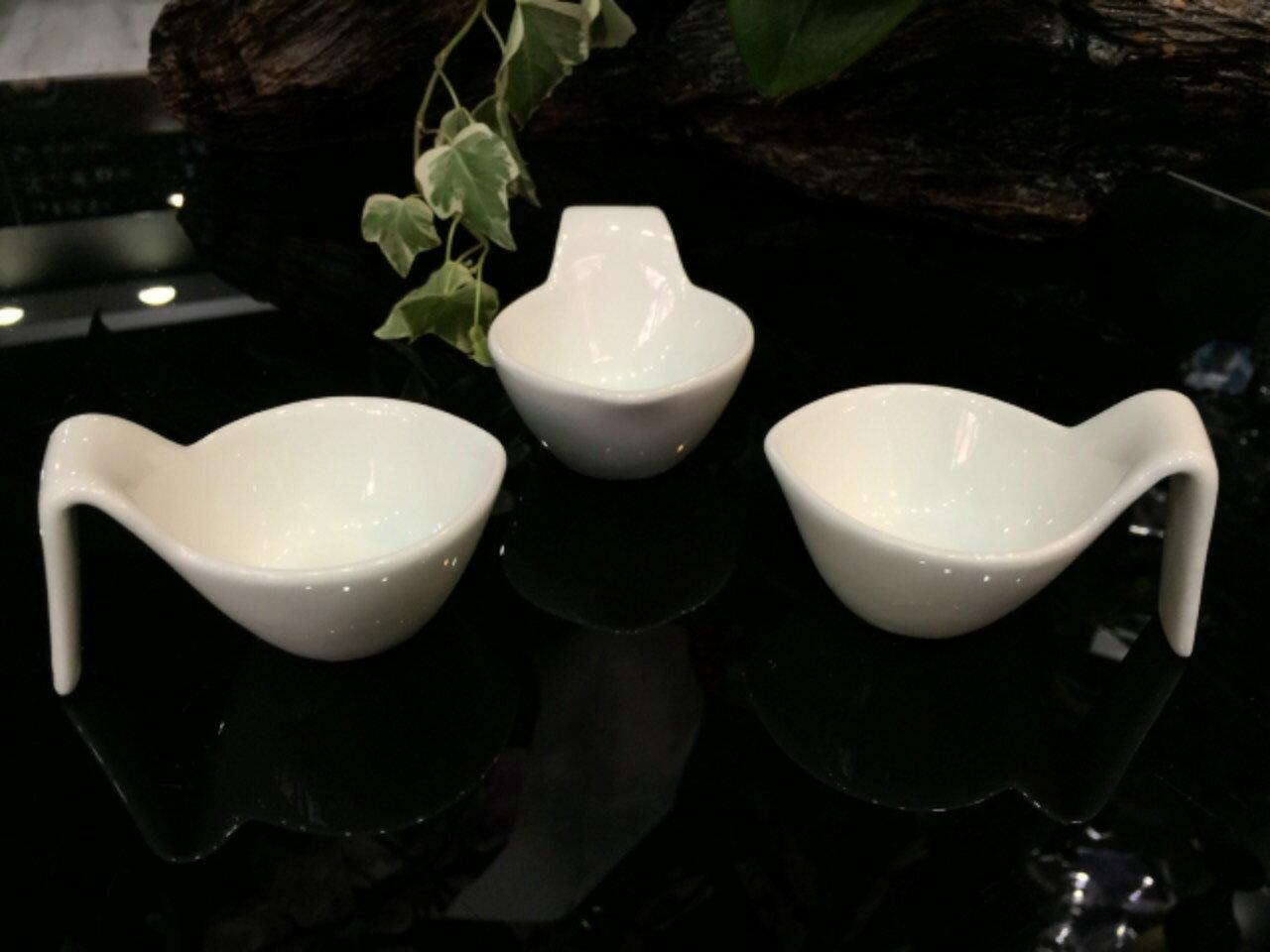 【日本-DULTON】勺型陶瓷調味皿(一組四入)-獨特的勺型設計,既像勺子又像杯子,適合放調味料、小菜、簡單沙拉的裝盤 1