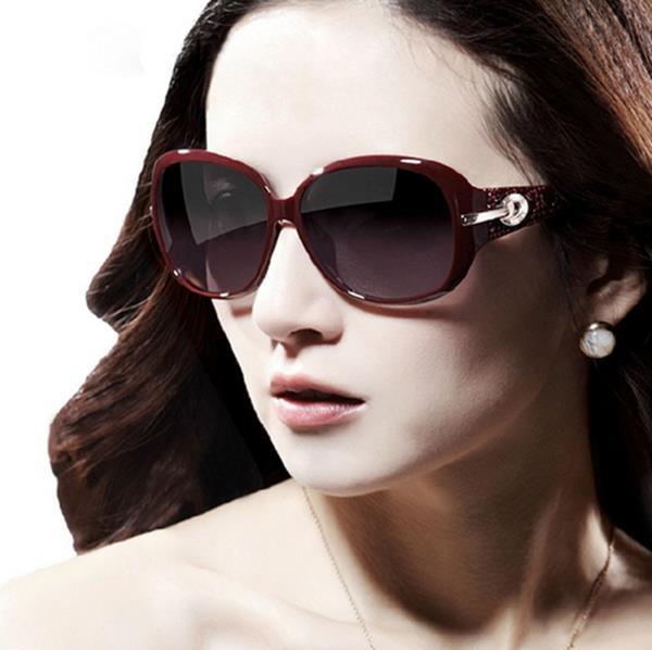 50%OFF【J003742Gls】雅奢華水鑽太陽眼鏡女潮 附眼鏡盒 防紫外線 明星款 反光鏡面