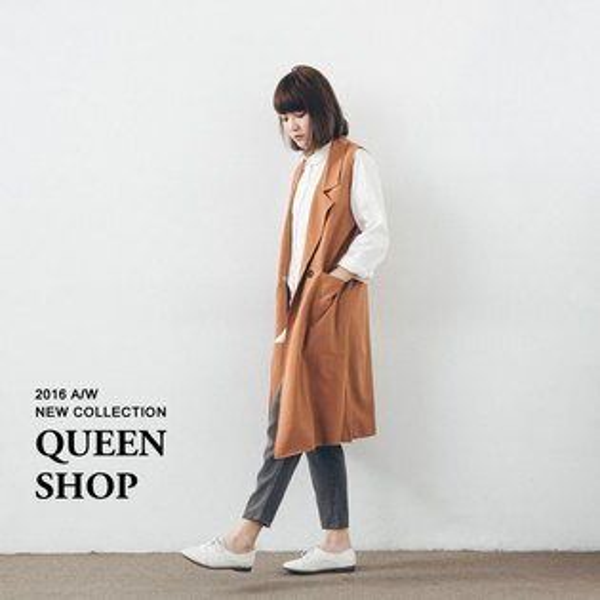 Queen Shop【01094160】雙釦大口袋長版西裝領背心 兩色售*現貨+預購*