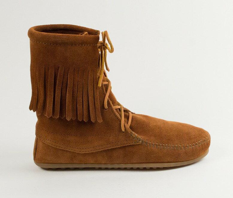 【Minnetonka 莫卡辛】棕色 - 經典綁帶流蘇短靴 2