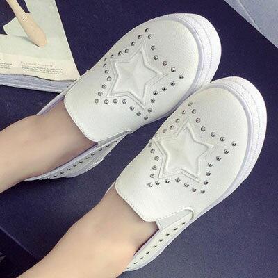 ☼zalulu愛鞋館☼ HE108 韓版名人同款鉚釘星星拼布內增高厚底鬆糕鞋-偏小-黑/白-36-40