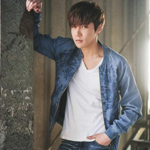 PoCo 韓式風格 韓系薄款修身牛仔外套 日系復古印花 時尚歐美風格 街頭潮男款【C115】