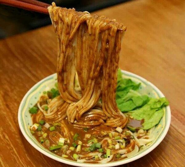 芝麻炸醬麵(素食可)  35元/包 麵體-100公克 醬料-30公克 天然日曬麵