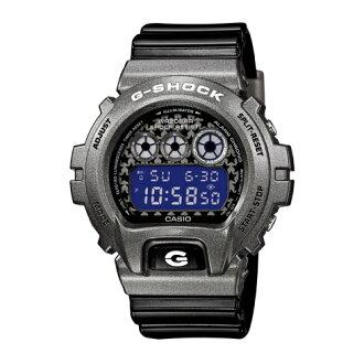 CASIO G-SHOCK DW-6900SC-8太空銀輝時尚腕錶/藍+灰面49mm