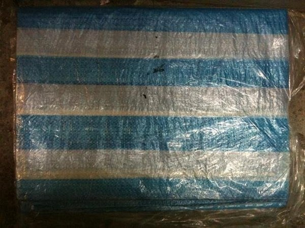 【台北益昌】帆布 10X10 尺 藍白條帆布 藍白帆布 防水布 塑膠布 搭棚架 工程防水遮蔽用