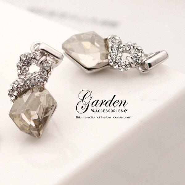 ^~SWAROVSKI ELEMENTS^~低調中帶點奢華美 閃耀中不失莊重 晶透菱形耳環